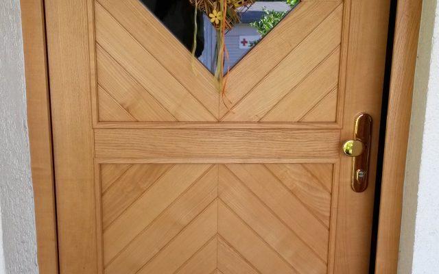 Lieferung und Montage von hochwertigen Fenster- und Türelementen aus Holz, Kunststoff und Aluminium.